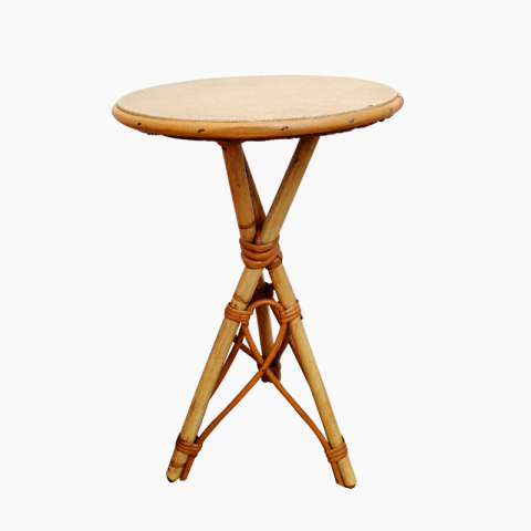 Table d\'appoint en rotin vintage chevet